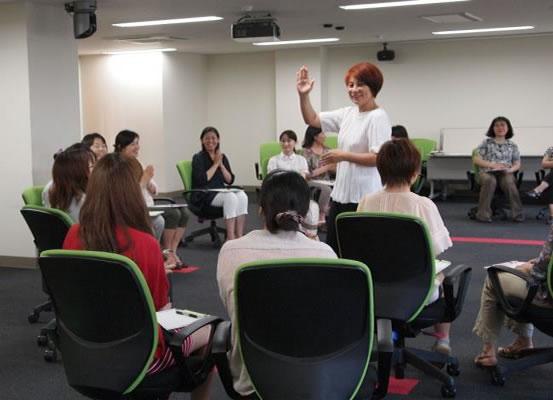 新潟大学男女共同参画推進室にて講演の様子