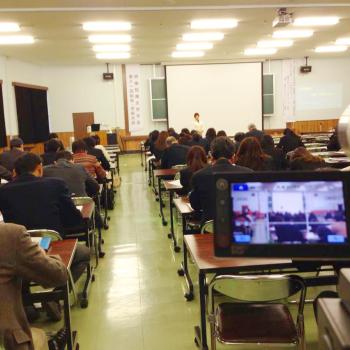 明倫短期大学特別講演の動画撮影中